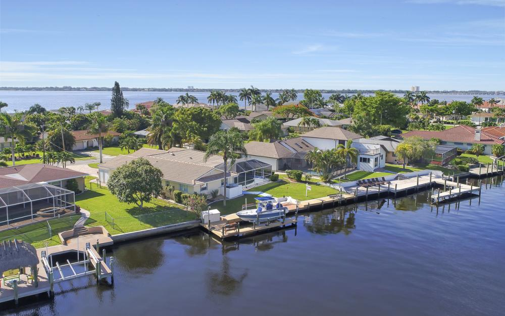 3710 SE 21st Ave, Cape Coral - Home For Sale 1214722473