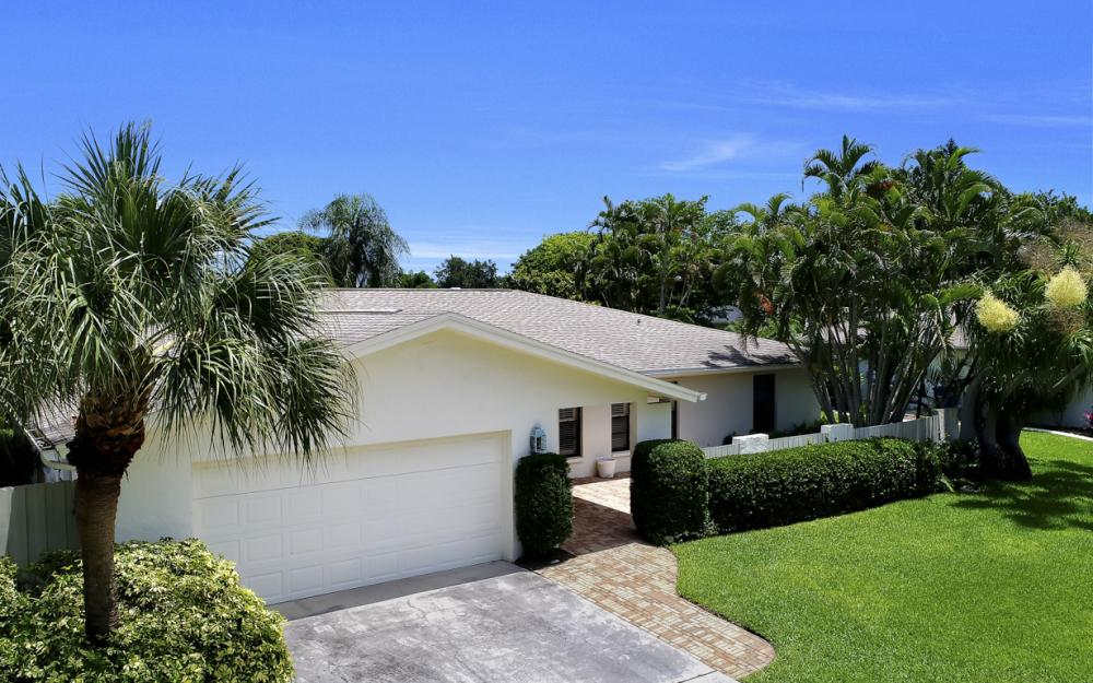 1390 Tredegar Dr, Fort Myers - Home For Sale 50649962