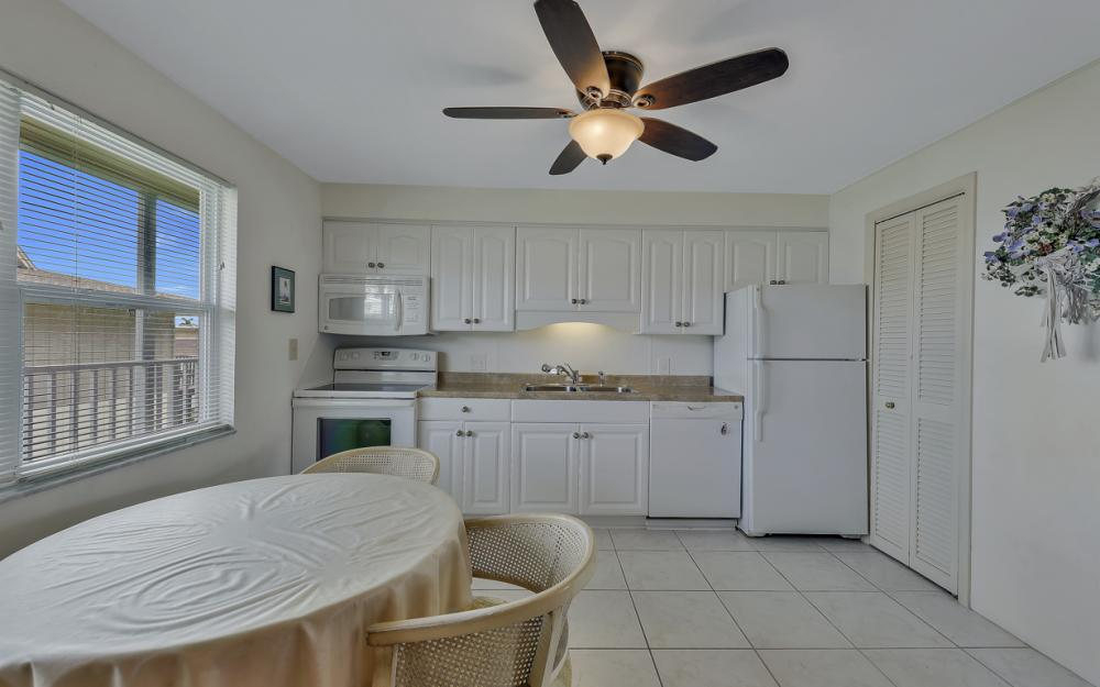 850 Palm St C-17, Marco Island - Condo For Sale 7646319