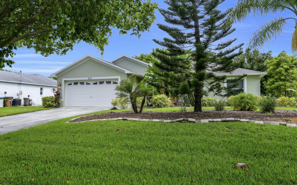 910 SW 37th Ter, Cape Coral - Home For Sale 59521839