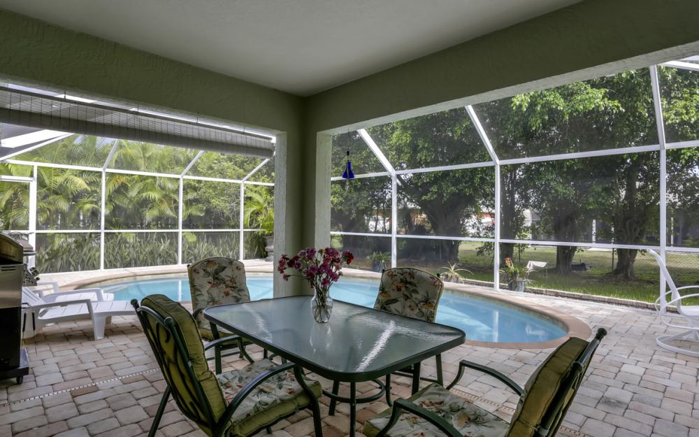 910 SW 37th Ter, Cape Coral - Home For Sale 38460935