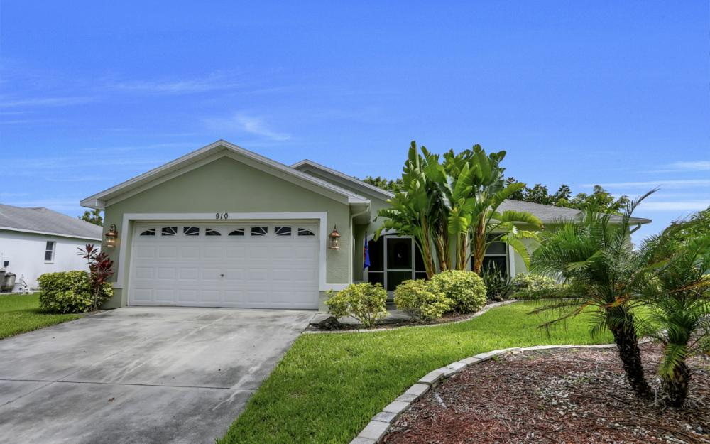 910 SW 37th Ter, Cape Coral - Home For Sale 916145839
