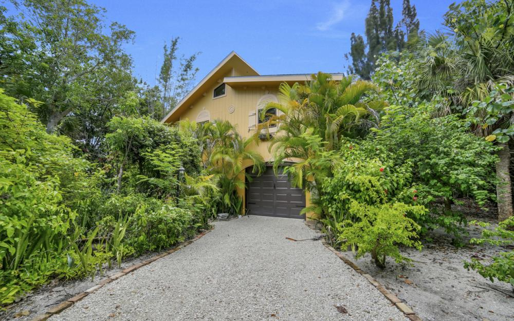 4606 Brainard Bayou Rd, Sanibel - Home For Sale 2090851614