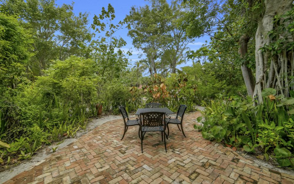 4606 Brainard Bayou Rd, Sanibel - Home For Sale 1069283052