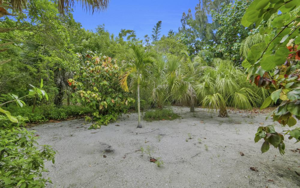 4606 Brainard Bayou Rd, Sanibel - Home For Sale 1843946795