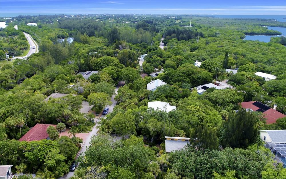 4606 Brainard Bayou Rd, Sanibel - Home For Sale 388833903