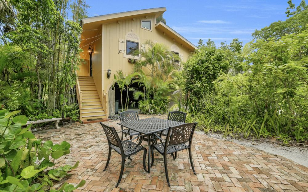 4606 Brainard Bayou Rd, Sanibel - Home For Sale 134428884