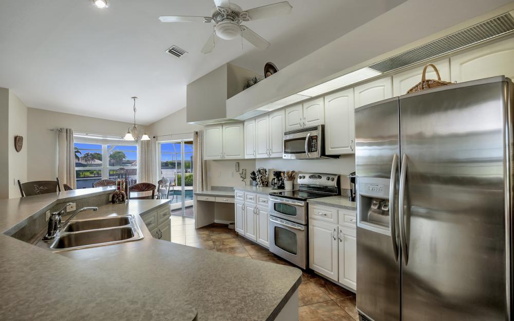 4353 SW 2nd Ave, Cape Coral - Home For Sale 561785317