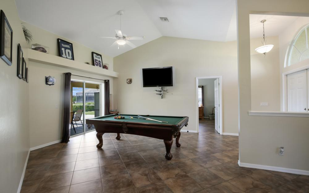 4353 SW 2nd Ave, Cape Coral - Home For Sale 2104063466
