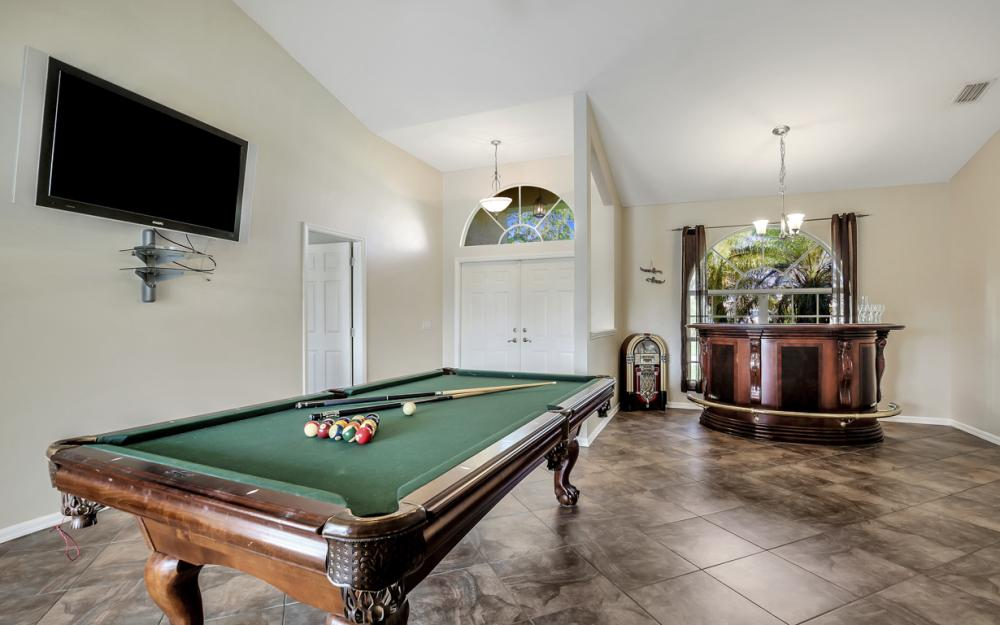 4353 SW 2nd Ave, Cape Coral - Home For Sale 926177420