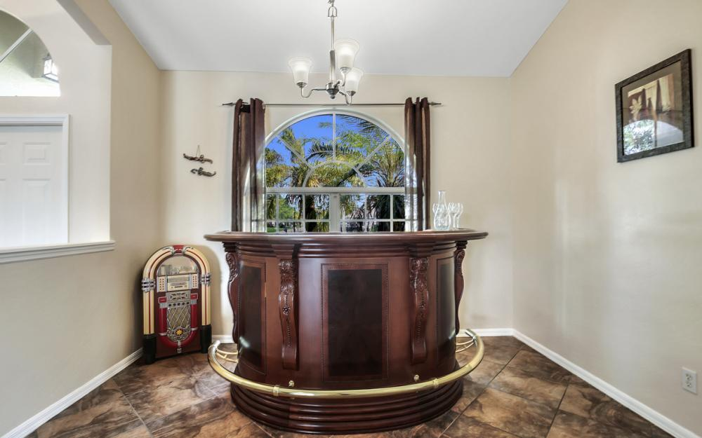 4353 SW 2nd Ave, Cape Coral - Home For Sale 493602539