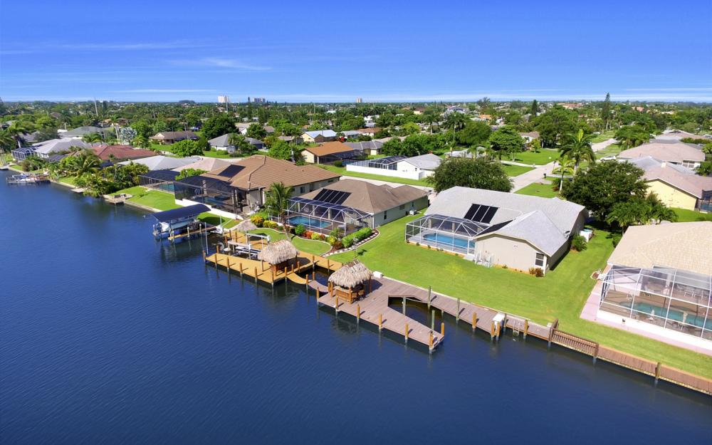 4353 SW 2nd Ave, Cape Coral - Home For Sale 584155435
