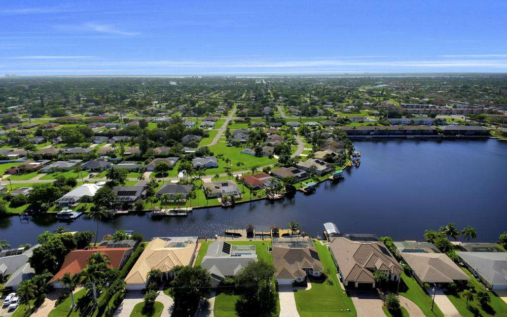 4353 SW 2nd Ave, Cape Coral - Home For Sale 376206893