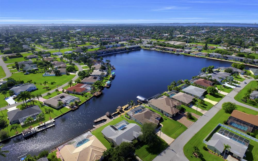 4353 SW 2nd Ave, Cape Coral - Home For Sale 1181967465