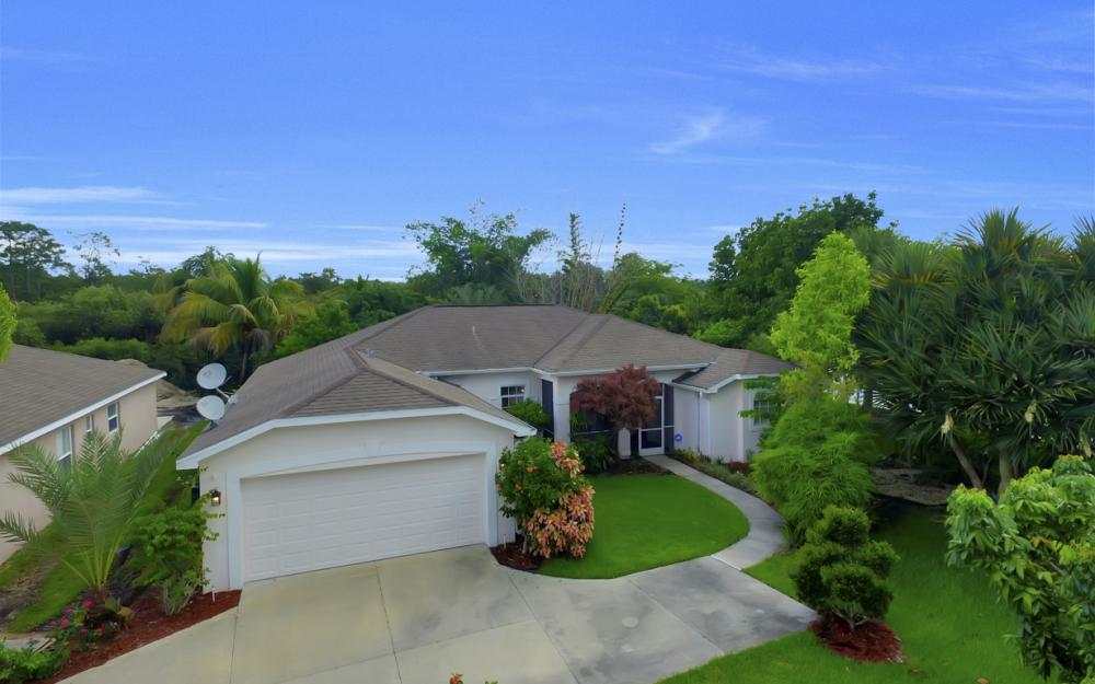 12705 Aston Oaks Dr, Fort Myers - Home For Sale 1243418049