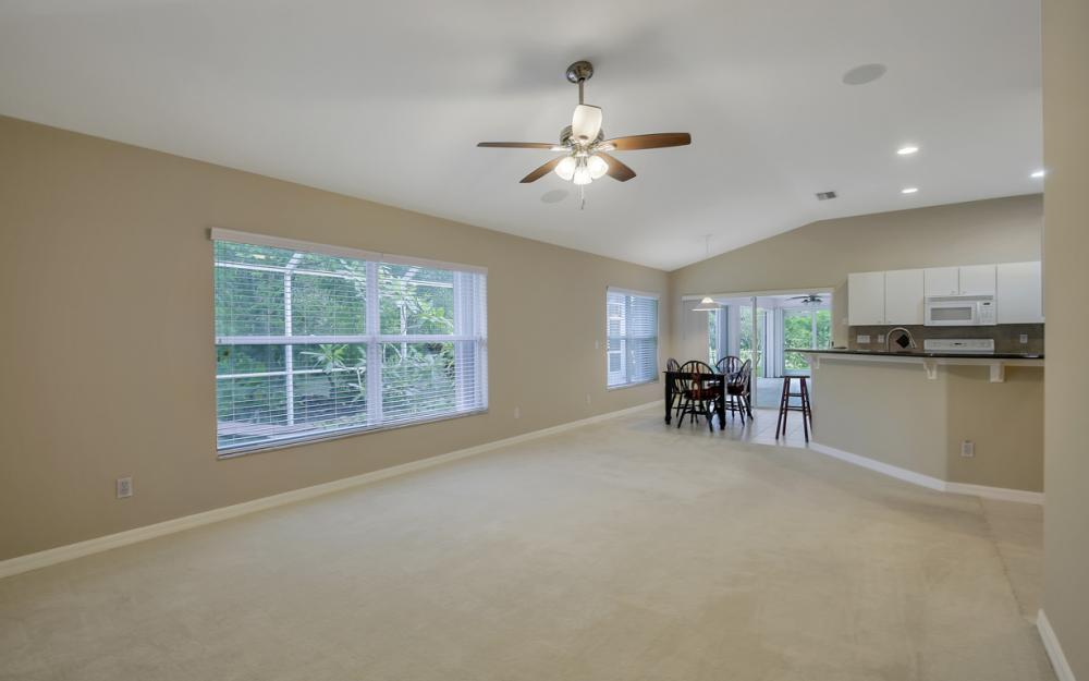 12705 Aston Oaks Dr, Fort Myers - Home For Sale 1839754558