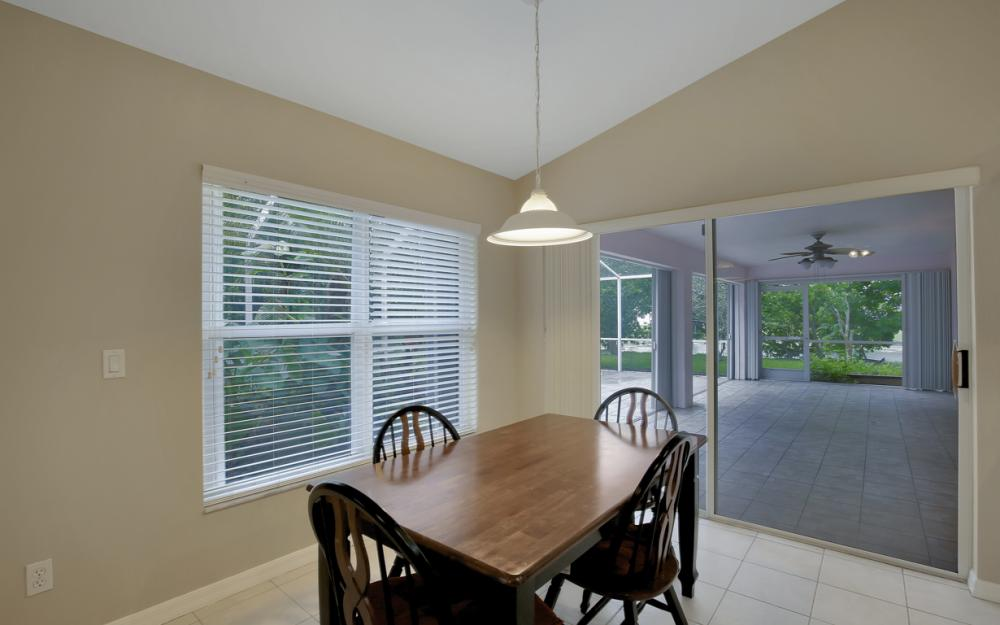 12705 Aston Oaks Dr, Fort Myers - Home For Sale 2123441611