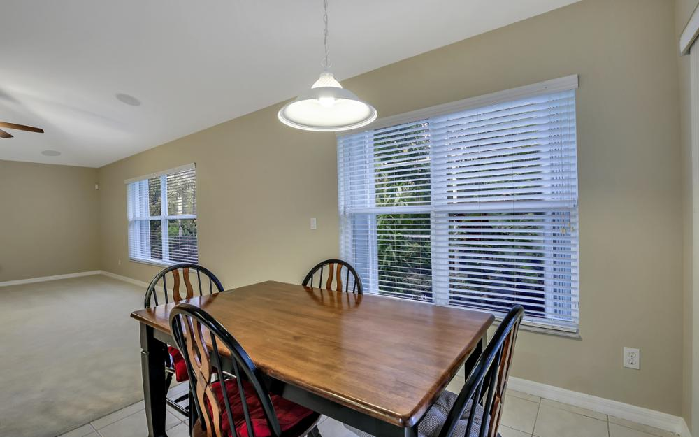 12705 Aston Oaks Dr, Fort Myers - Home For Sale 106047450