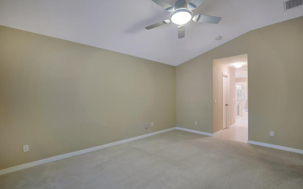 12705 Aston Oaks Dr, Fort Myers - Home For Sale 208497360