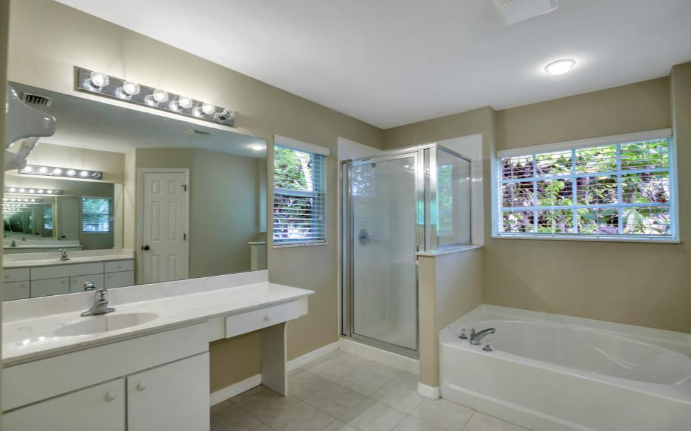 12705 Aston Oaks Dr, Fort Myers - Home For Sale 871611960