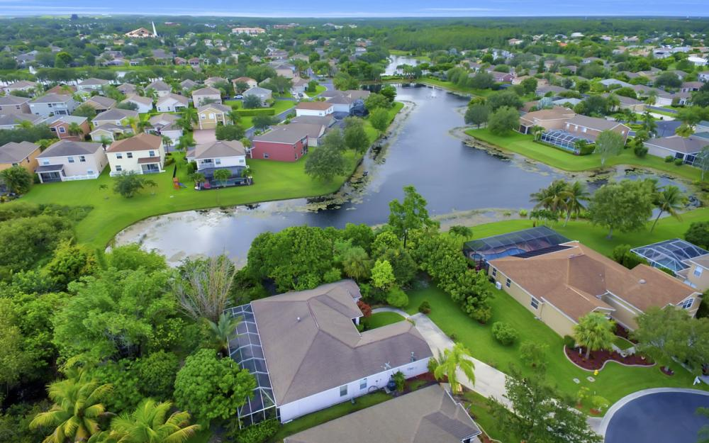 12705 Aston Oaks Dr, Fort Myers - Home For Sale 1211788463