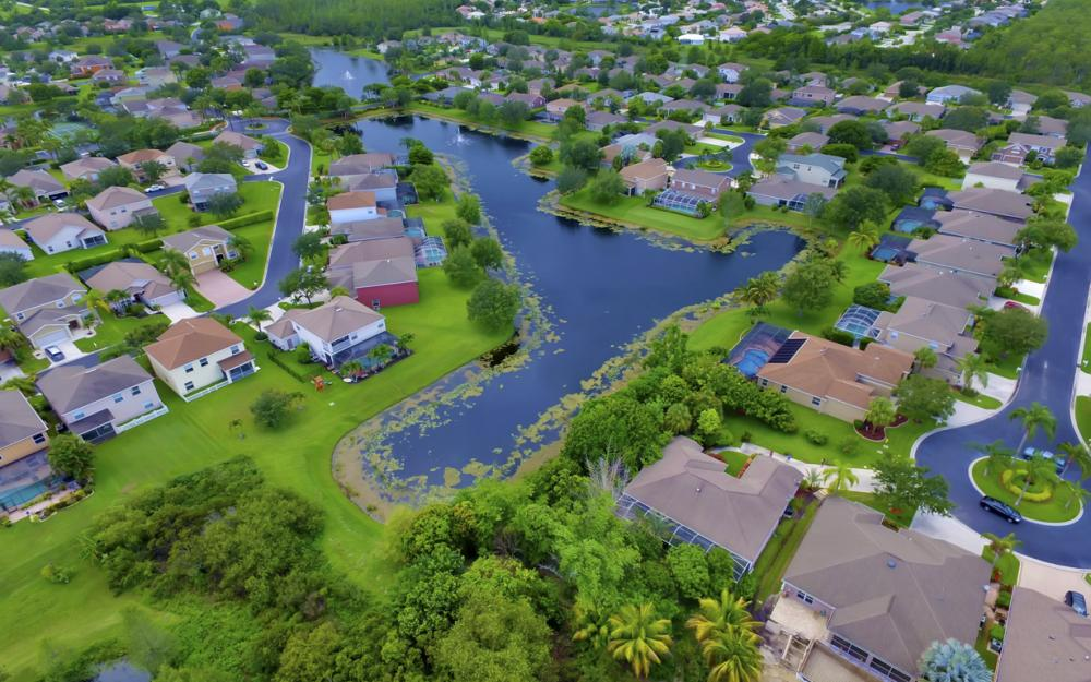 12705 Aston Oaks Dr, Fort Myers - Home For Sale 1035630662