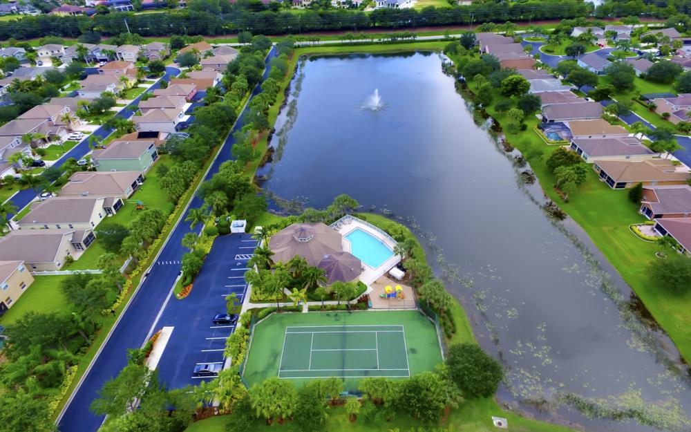 12705 Aston Oaks Dr, Fort Myers - Home For Sale 683517235