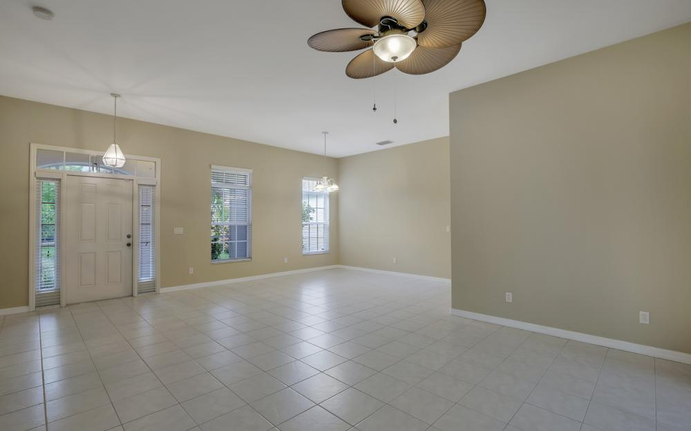 12705 Aston Oaks Dr, Fort Myers - Home For Sale 1848893782