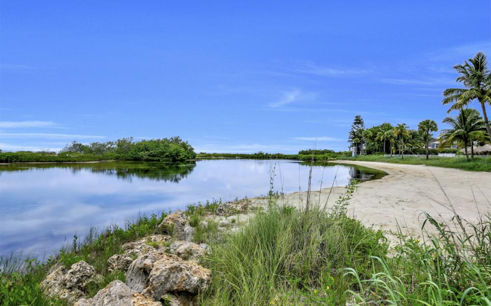 7944 Estero Blvd, Ft Myers Beach - Home For Sale 1047234359