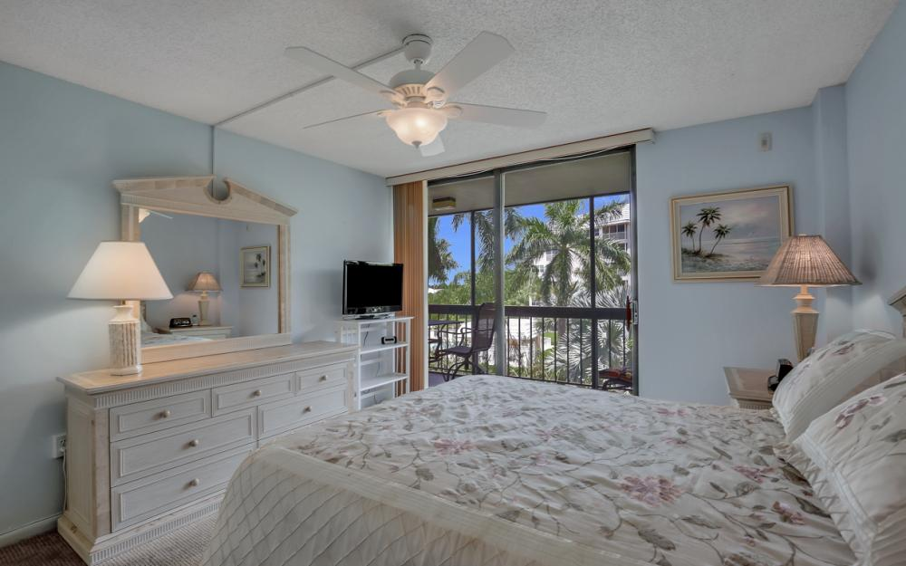 693 Seaview Ct A310, Marco Island - Condo For Sale 1888618328