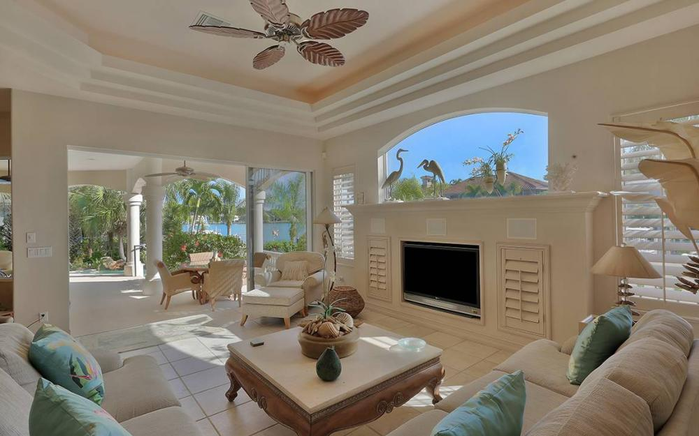 481 Thorpe Ct, Marco Island - House For Sale 991109773