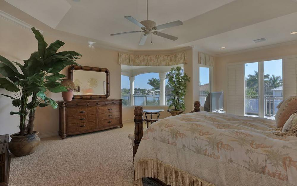 481 Thorpe Ct, Marco Island - House For Sale 978700424