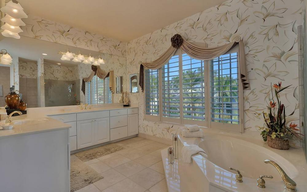 481 Thorpe Ct, Marco Island - House For Sale 1092204854