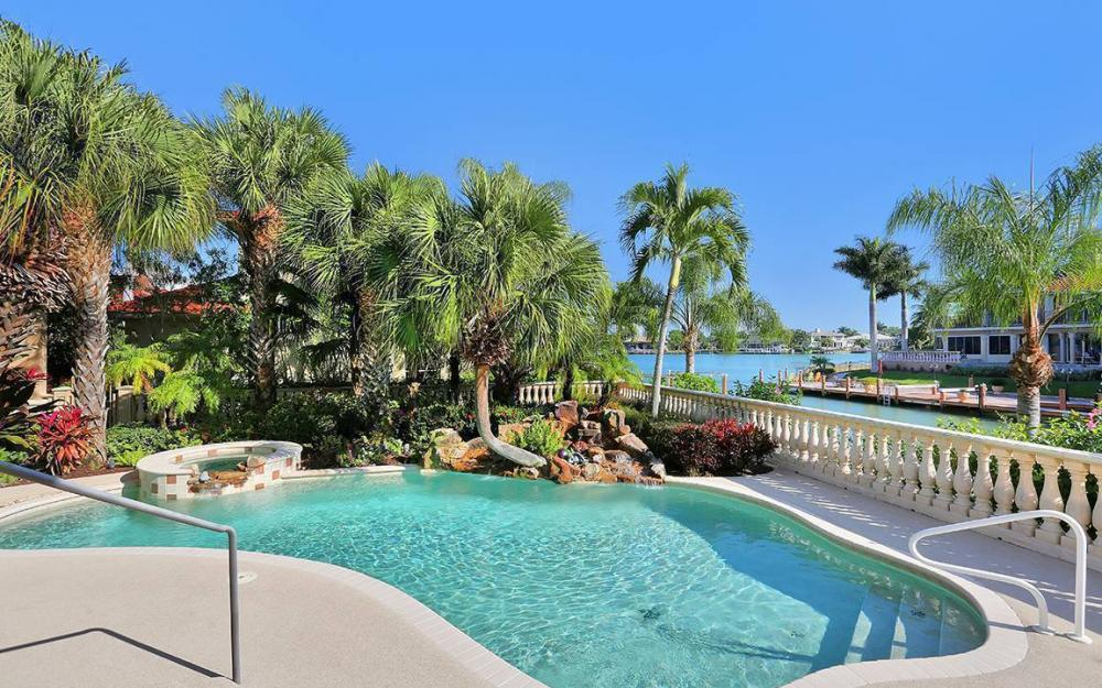 481 Thorpe Ct, Marco Island - House For Sale 718415210