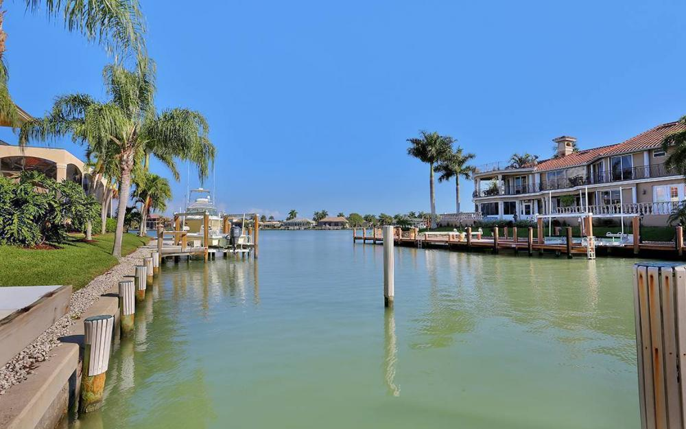 481 Thorpe Ct, Marco Island - House For Sale 119052898