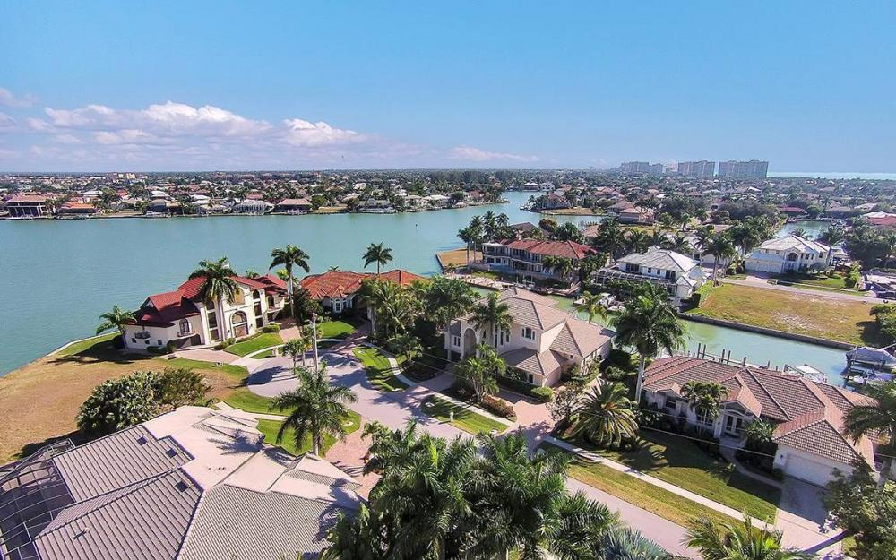 481 Thorpe Ct, Marco Island - House For Sale 1166268815