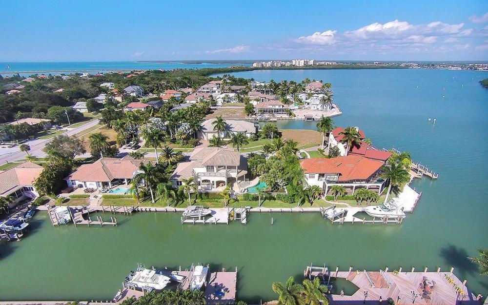 481 Thorpe Ct, Marco Island - House For Sale 1749429778