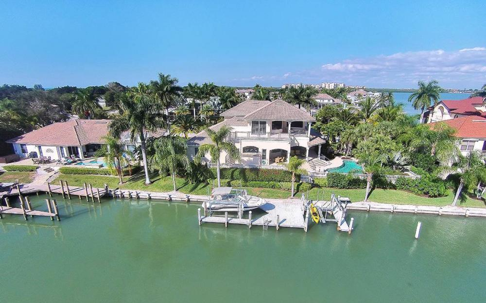 481 Thorpe Ct, Marco Island - House For Sale 1833363157