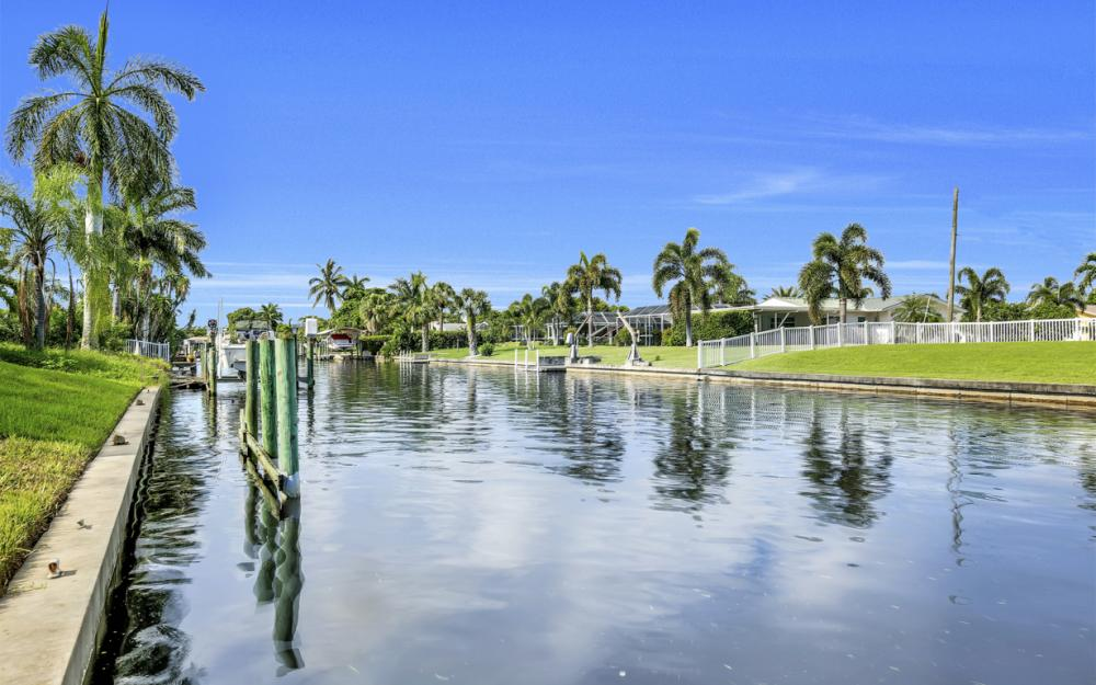 1404 Wellington Ct, Cape Coral - Home For Sale 1336988945