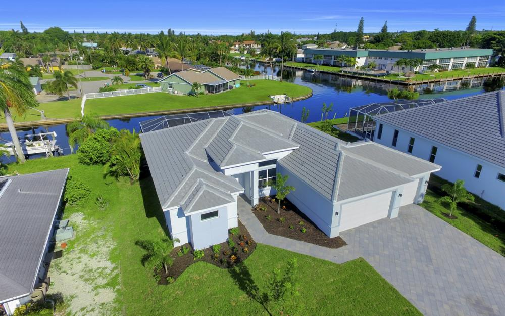 1404 Wellington Ct, Cape Coral - Home For Sale 976881360