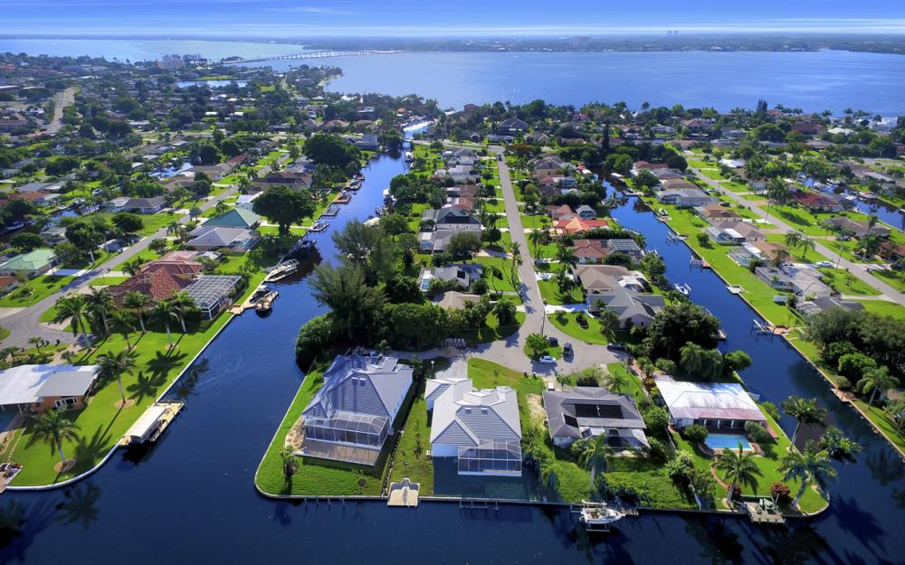 1404 Wellington Ct, Cape Coral - Home For Sale 1495172343