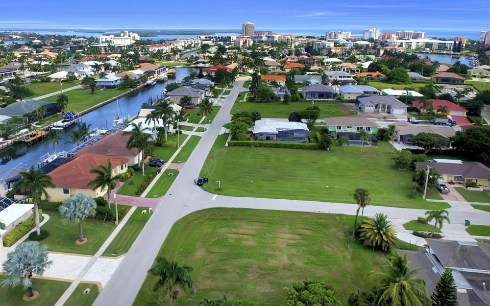 700 Amber Dr, Marco Island - Lot For Sale 1990044099