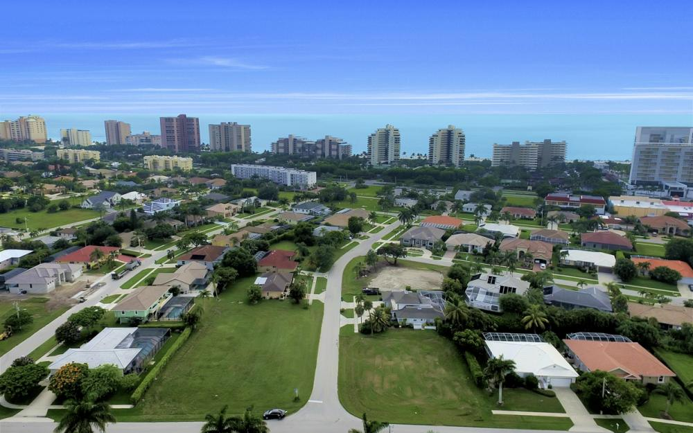 700 Amber Dr, Marco Island - Lot For Sale 30306070