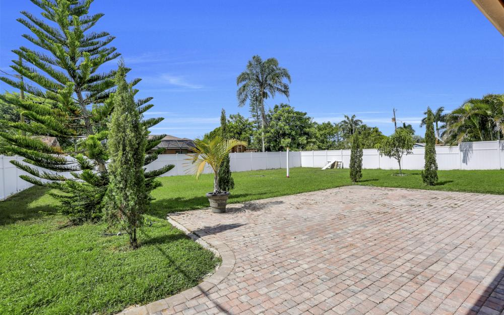 132 Kirtland Dr, Naples - Home For Sale 1665680909