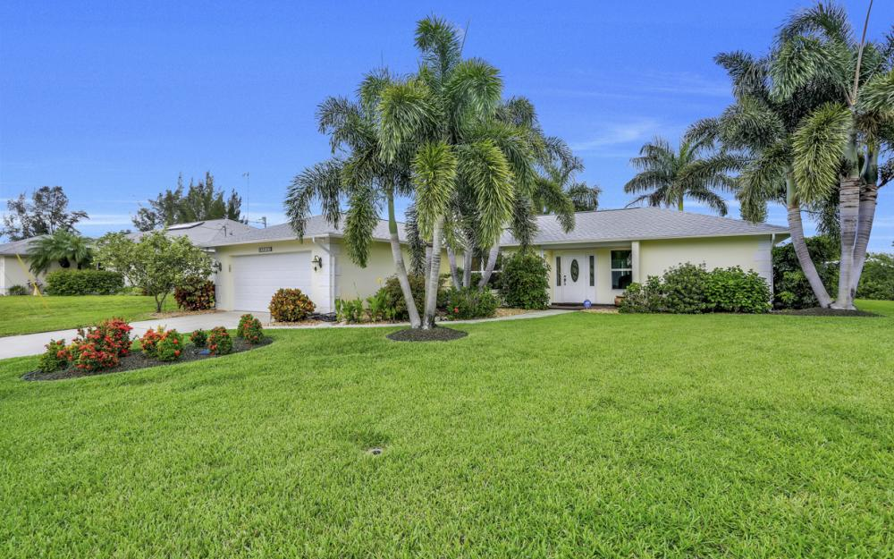 2205 SW 2nd Ter, Cape Coral - Home For Sale 2045156134