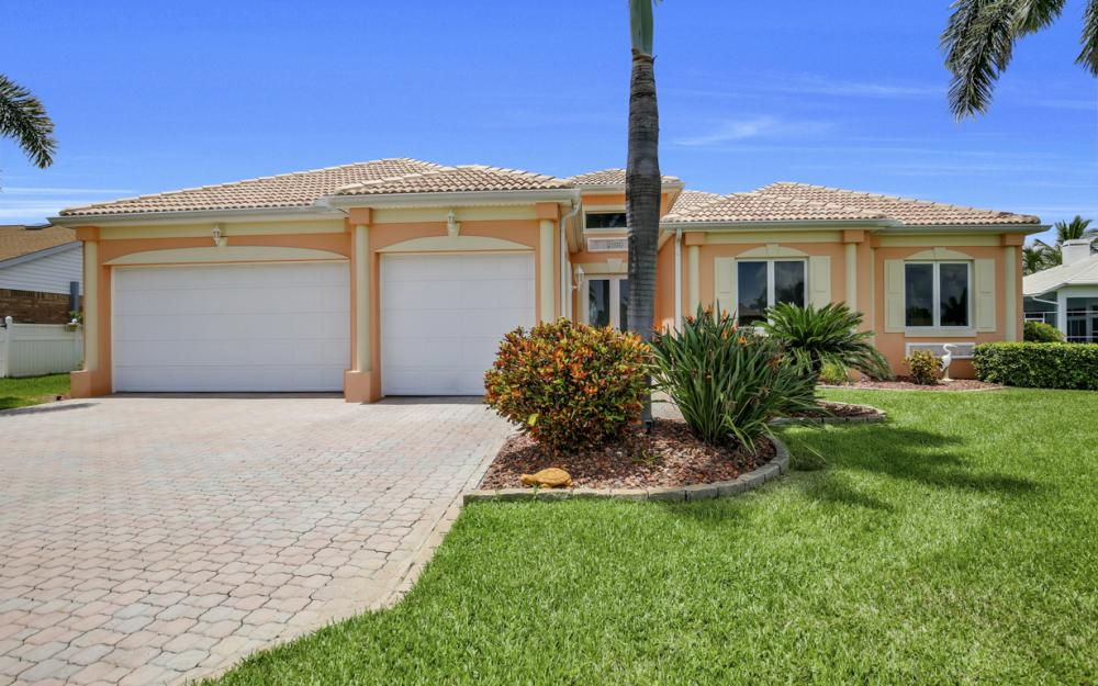 2931 Surfside Blvd, Cape Coral - Home For Sale 23365102