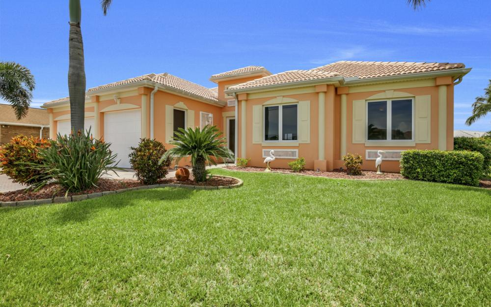 2931 Surfside Blvd, Cape Coral - Home For Sale 585945481
