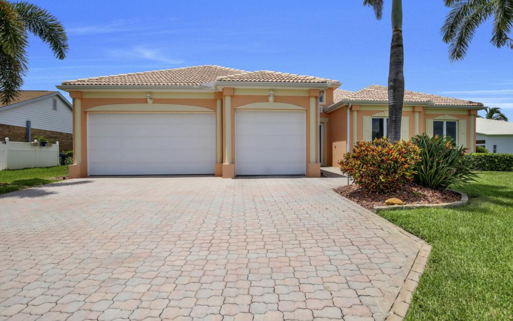 2931 Surfside Blvd, Cape Coral - Home For Sale 375691349