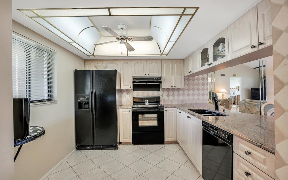 16200 Bay Pointe Blvd #305, North Fort Myers - Condo For Sale 207600233