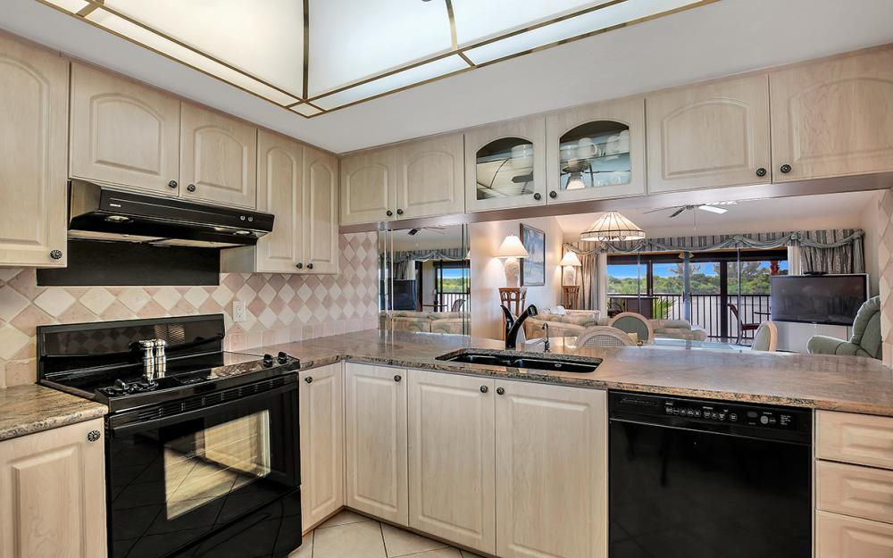 16200 Bay Pointe Blvd #305, North Fort Myers - Condo For Sale 1923444826